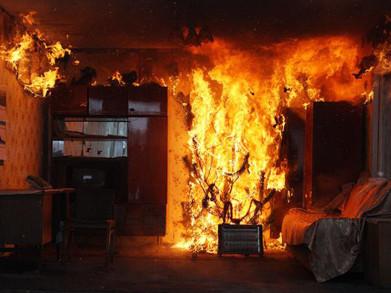 В мурманской квартире загорелась уборная